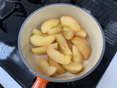 煮えたリンゴ